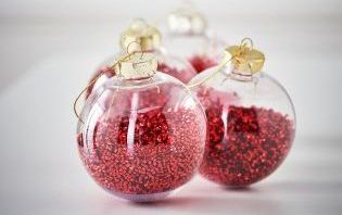 Red Shaker Baubles